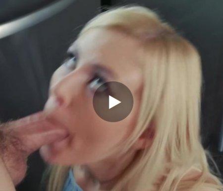 Ćerka puši kurac ocu
